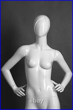 Adult Female Fiberglass Mannequin Samantha / Glossy White Samantha/4