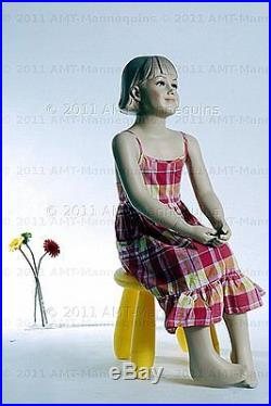 Child mannequin, dessform, amt-mannequins, sitting girl manequin-Ray+1Pedestal