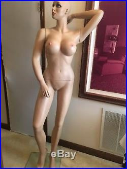 Female Full Body Sexy Big Bust Mannequin Realistic Face and Make-Up with Base