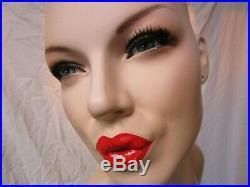 Female Mannequin Fiberglass Mannequin Marilyn Monroe Style Standing Dress Form