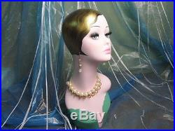 Hand-painted vintage old-fashioned head mannequin wig jewelry earing display