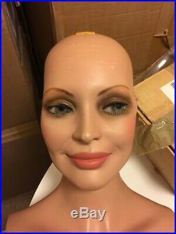 Hindsgaul smiling Mannequin Vintage Walking Young Look 1981 Origina Makeup Rare