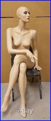 Patina V vintage mannequin Zsoka