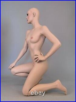 ROOTSTEIN Mannequin Full Realistic Female Kneeling Yasmin LeBon Glass Eyes Teeth