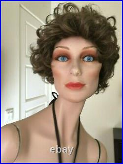 Vintage WOLF VINE GRENEKER FEMALE MANNEQUIN BLUE GLASS EYES BROWN WIG 8 MISS