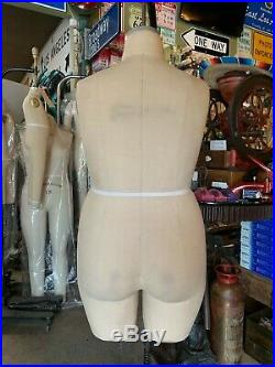 Wolf Bathing Suit Form. Size 22, Model 1996, plus size + Made in the USA