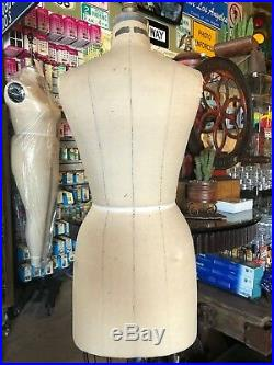 Wolf Form, Missy Sz 10, Model 1993, Professional dress form