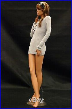 Women's Adult Fashion Pose Realistic Fiberglass Pretty Face Mannequin with Base